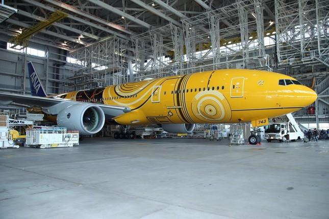 お披露目された特別塗装機「C-3PO ANA JET」