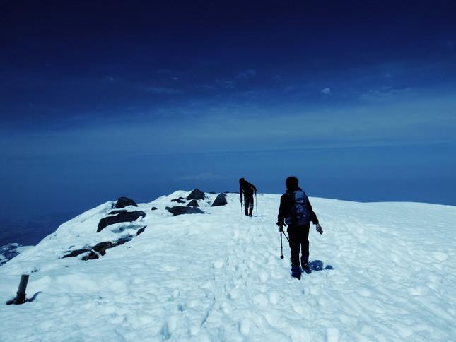 高校生でも冬山や春山に登ってもいい?(写真はイメージ)