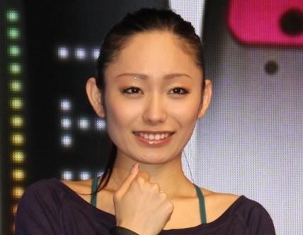 羽生選手を「誘った」安藤さん(2013年撮影)
