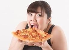 太っていると本当に体に悪いのか 画期的研究「悩まないデブは健康」
