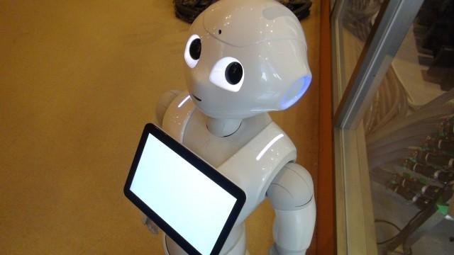 ロボットが介護を担う時代が(写真はイメージ)