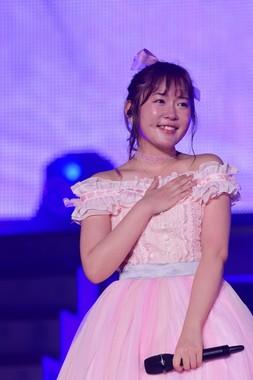 昼の公演では多田愛佳(おおた・あいか)さんの卒業セレモニーも行われた (c)AKS
