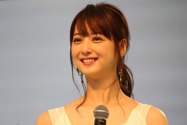 佐々木希さん(2015年撮影)
