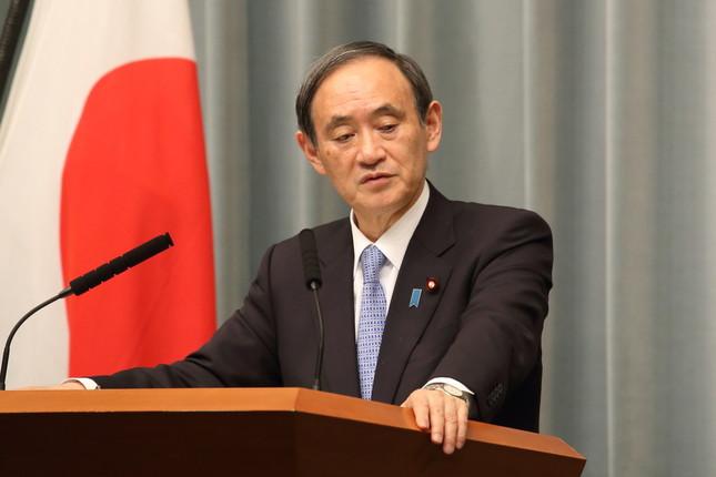 菅官房長官の会見でもメディア批判の質問が飛んだ(2017年3月撮影)