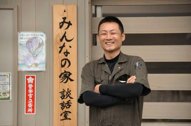 西原村の仮設団地に住む志賀勇さん