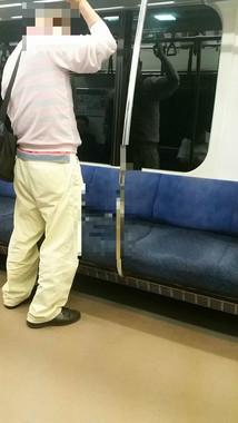 運行中の車内でのトンデモ行為(編集部が一部修正。画像は投稿者の許可を得て掲載しています)