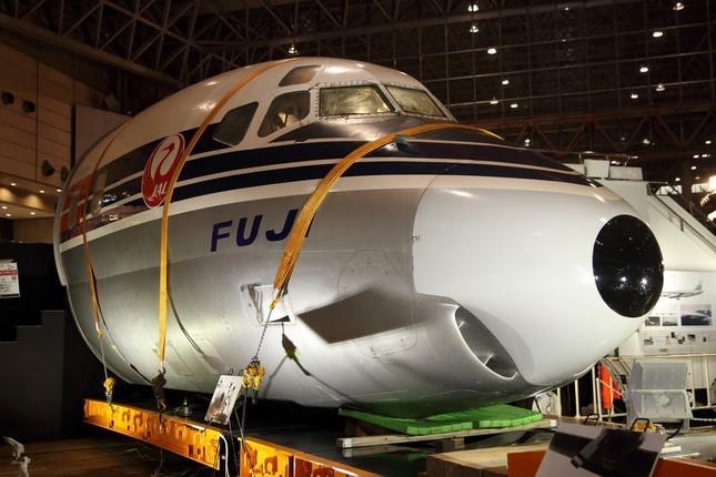 全長8メートルの機首部分が展示されている