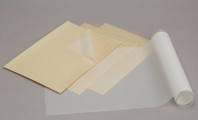 離型紙の裏面には10ミリ角の補助線が印刷