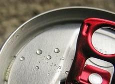 カフェイン過剰摂取で高校生急死 短時間で飲み続けると中毒の危険