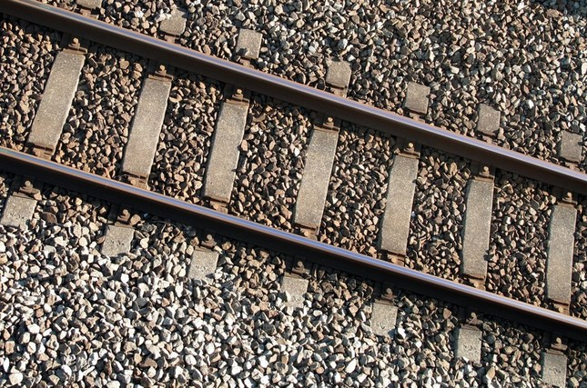 線路上に確認されたレンガのようなものが原因で高崎線が遅延(写真はイメージ)