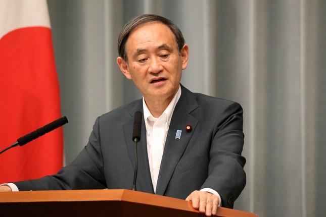 菅義偉官房長官は文書の「信ぴょう性が定かではない」と主張している(2017年5月撮影)