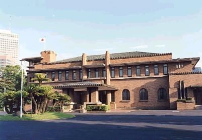 現在の「首相公邸」は2002年まで「首相官邸」として使用されてきた(写真は「官邸」当時。首相官邸ウェブサイトから)