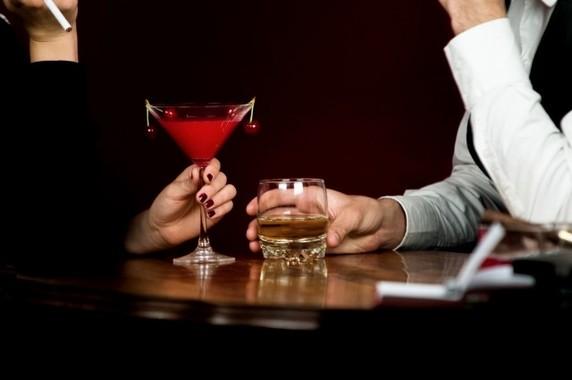 見知らぬ人から飲み物を差し出されたらご注意(写真と本文は関係ありません)