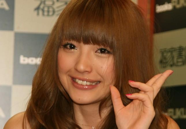 木下優樹菜さんが運転免許取得(2008年3月撮影)