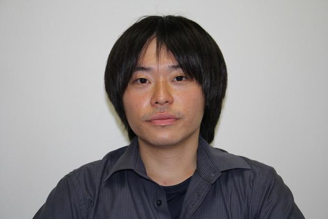 インタビューに応じる同姓同名の小室圭さん(29)