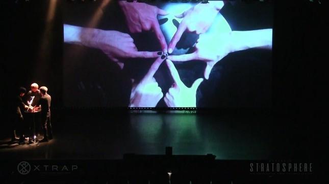 「XTRAP」ライブの一場面