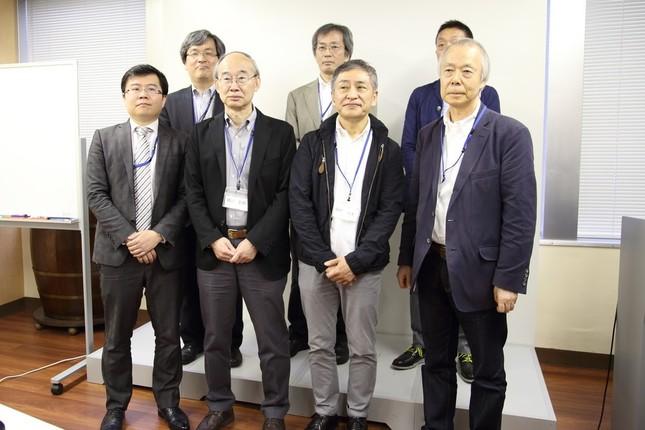 「スマートニュース」社の藤村厚夫・執行役員ら7人が発起人として会見した