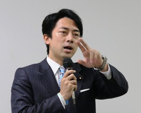 入閣が取り沙汰される小泉進次郎氏(2015年9月撮影)