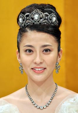 2010年7月29日、海老蔵さんと結婚式を挙げた時の小林麻央さん(写真:Natsuki Sakai/アフロ)