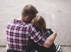 米国10代の「性に奔放」は古いイメージ? 最新データではなんと性交渉率減少