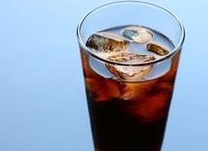 紅茶やコーヒーでは水分補給にならないのか 一般的な量なら何の問題もなし