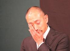 海老蔵は今もブログで悲しみ続ける 最愛の人失った苦難SNSで癒せるか