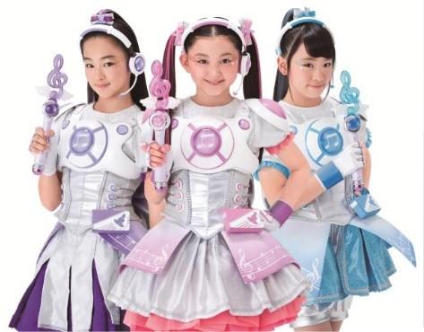 主役の3人組アイドル「ミラクルミラクル」