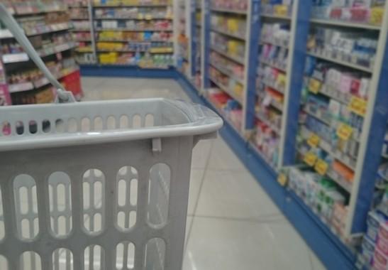 都市の「買い物弱者」に対しての方策は…(画像はイメージです)