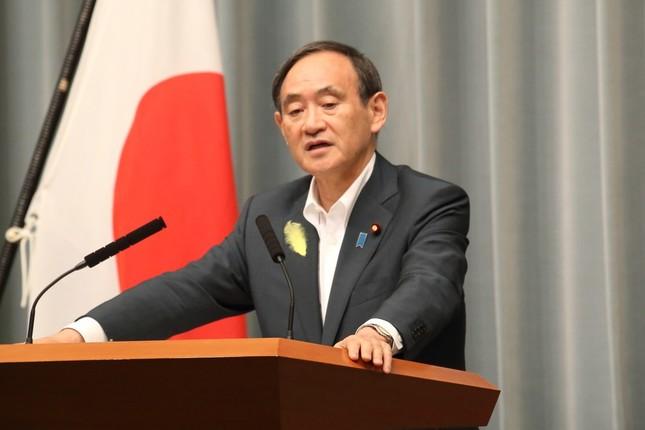 菅義偉官房長官が日本人35人拘束事案について言及した(2017年6月撮影)