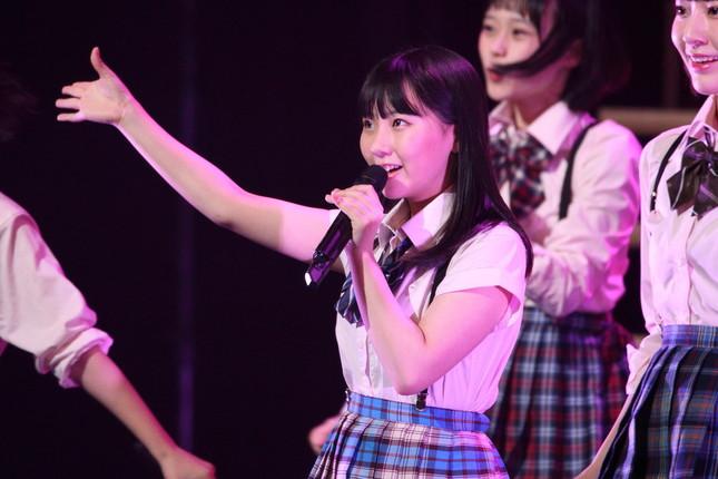 コンサートで活躍するHKT48の田中美久さん(2017年4月撮影)
