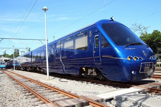 「ザ・ロイヤルエクスプレス」は7月21日に横浜-伊豆急下田間で運行を始める
