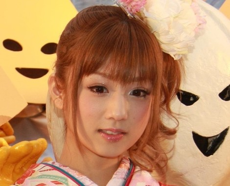 テレビ番組で自身の思いを吐露した小倉優子さん(2009年撮影)