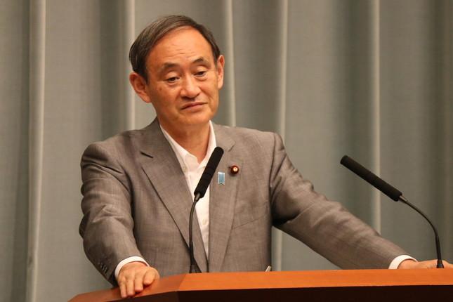 菅義偉官房長官の会見でも「稲田大臣の関与については、完全に解明されなかった点も残った」といった指摘も出た