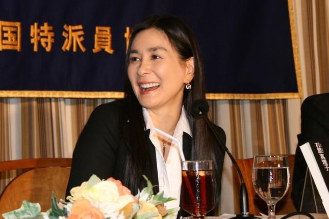 ブログで報道に反論した石原真理子さん(2006年撮影)