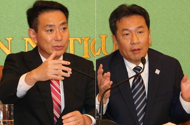 民進党代表選の公開討論会に出席した前原誠司氏(左)と枝野幸男氏