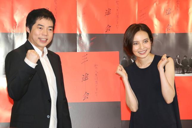 今田耕司さん(左)とベッキーさん(右)