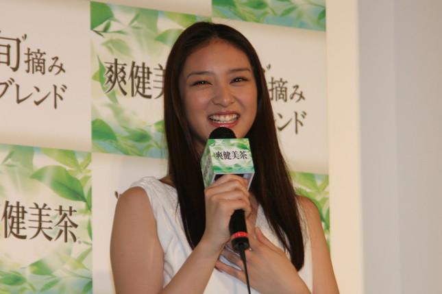 武井咲さん(2011年撮影)