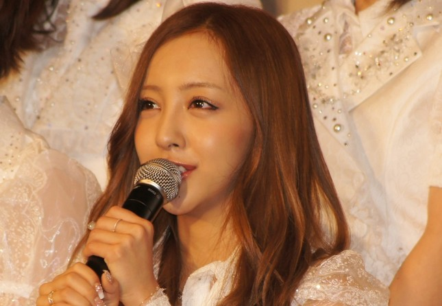 板野友美さん(2013年2月撮影)