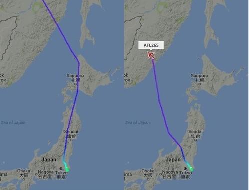 9月7日に日本を出発して欧州に向かうスイス国際航空便(左)とアエロフロート航空便(右)。航空会社によってルートを変更するかどうか対応が分かれている(写真は航空機の位置を表示するウェブサイト「フライトレーダー24」から)