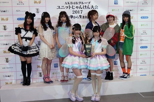 じゃんけん大会を勝ち残った上位4組の楽曲は12月13日に発売される