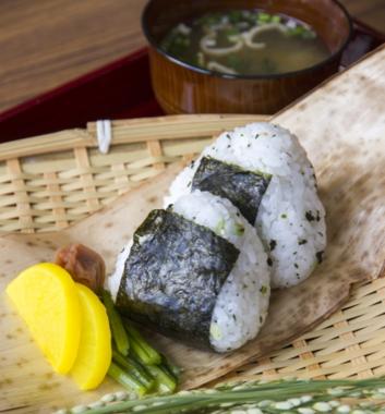 漬け物とみそ汁は日本人の定番だが