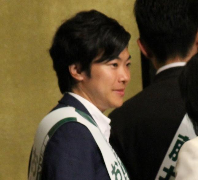音喜多駿都議(写真は2017年6月、都議選前の「都民ファーストの会」総決起大会で)