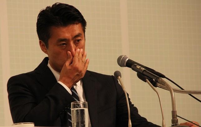 希望の党開票センターに出席した細野豪志氏