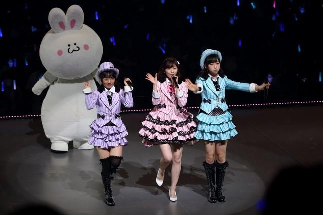 渡辺麻友さんは「若手選抜」に期待を寄せる。左から向井地美音さん、渡辺さん、小栗有以さん