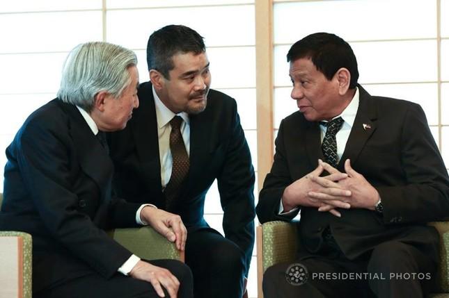 ドゥテルテ大統領が天皇陛下の前で予想外の「礼儀正しさ」を見せた(写真はフィリピン政府のフェイスブックから)