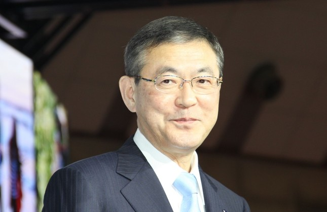 スバルの吉永泰之社長(2017年10月25日撮影)
