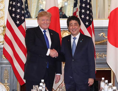 朝鮮中央通信は安倍晋三首相のトランプ大統領に対する行動を「忠犬のずる賢い行動」だと主張している(写真は首相官邸のウェブサイトから)