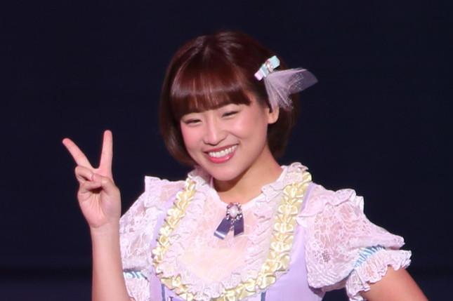 ジャカルタでタレントとして活躍する仲川遥香さん。2017年10月には一時帰国し、同期の渡辺麻友さんの卒業コンサートに出演した