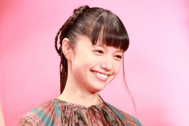 岡田さんは宮崎あおいさんと結婚したが…(2017年10月31日撮影)関連記事