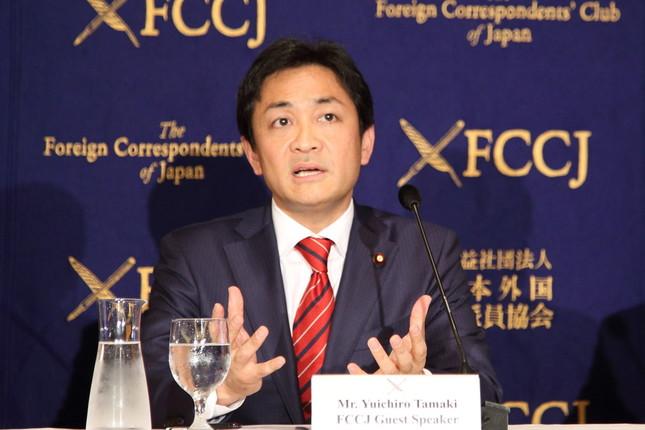 日本外国特派員協会で講演する希望の党の玉木雄一郎代表